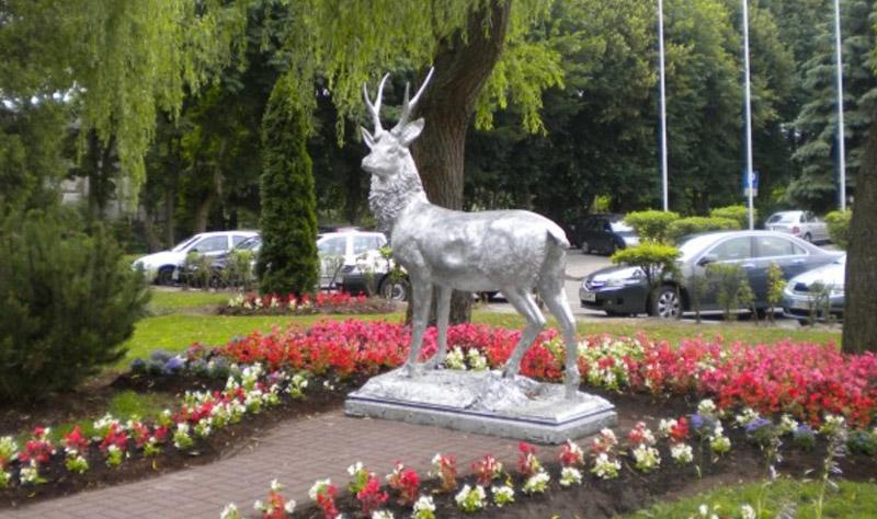 Pomnik Jelenia w Mielnie
